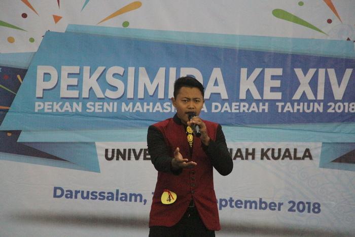 Ananda Muslian tampil memukau di ajang Pekan Seni Mahasiswa Daerah Ke XIV di Unsyiah Banda Aceh.